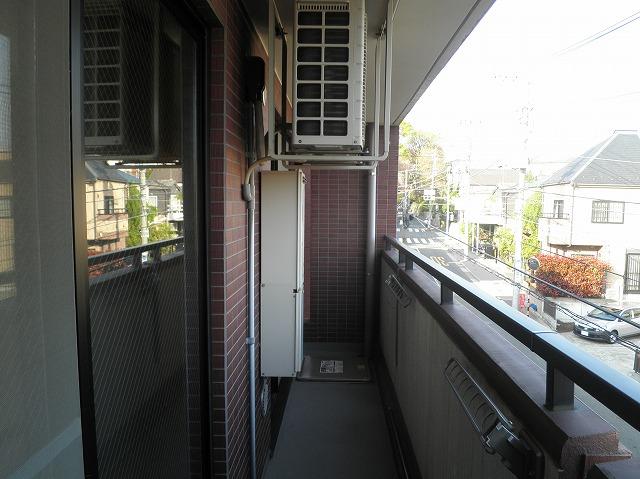 ルネス木嶋 302号室のバルコニー