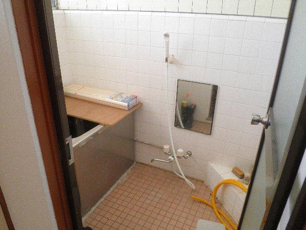 フォーブル玉堤 204号室の風呂
