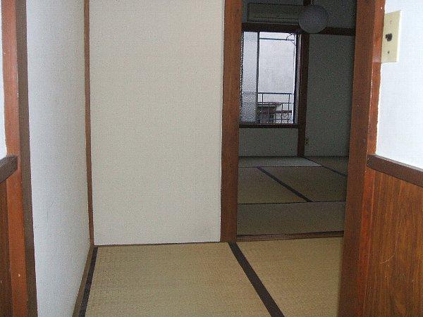白梅荘 202号室のベッドルーム