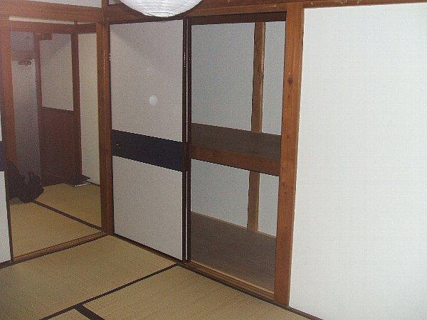白梅荘 202号室のリビング