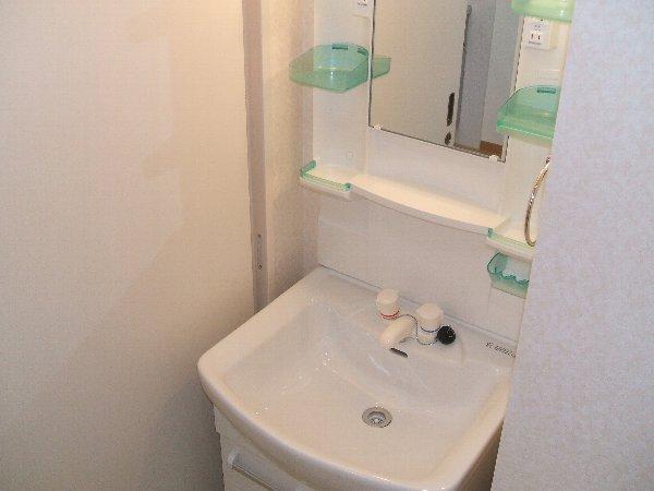 コンフォール等々力 504号室の洗面所
