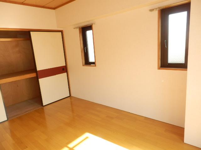 エクセレント駒沢 205号室の居室