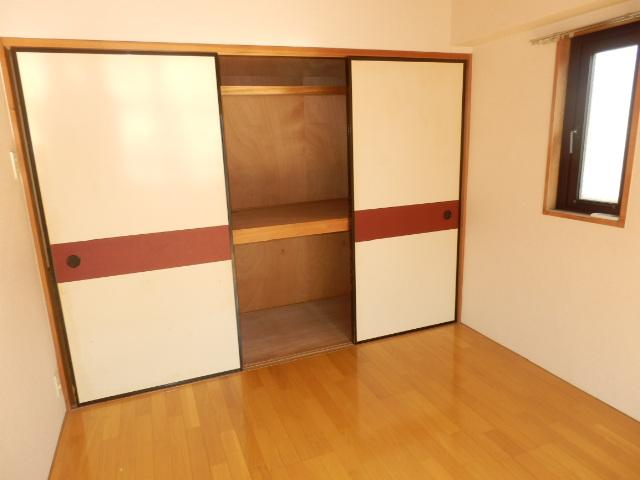 エクセレント駒沢 205号室の収納