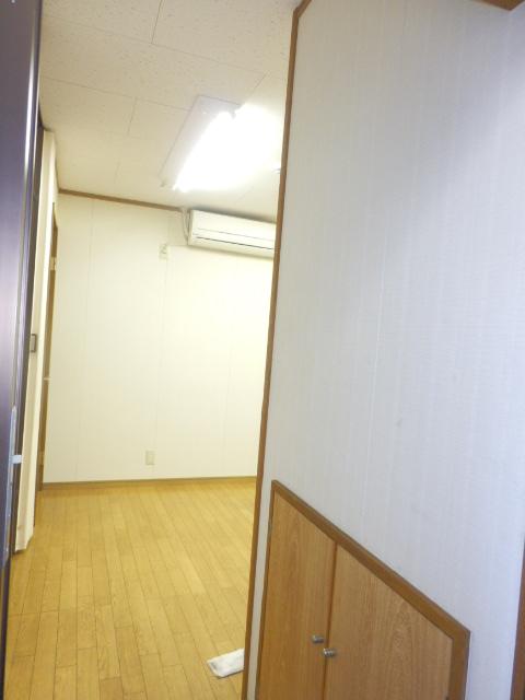 斉藤貸家 2F号室の玄関
