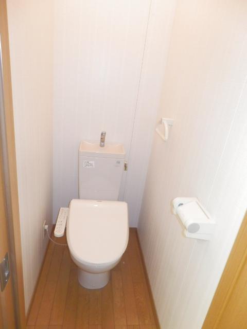 斉藤貸家 2F号室のトイレ