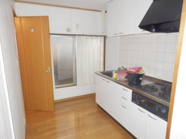 斉藤貸家 2F号室のキッチン
