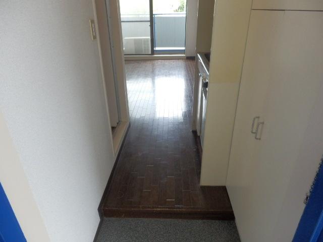 アイディールマンション 204号室の玄関