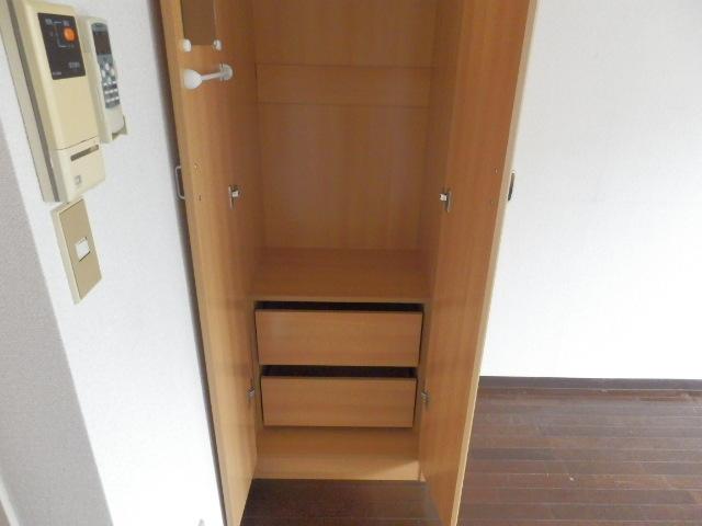 アイディールマンション 204号室の収納