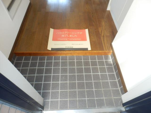 八雲ハウス 201号室の玄関