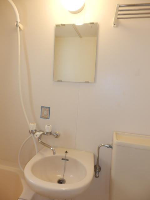 八雲ハウス 201号室の洗面所