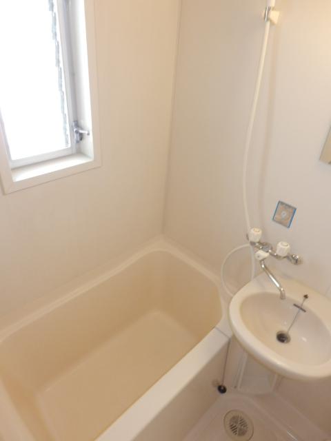 八雲ハウス 201号室の風呂
