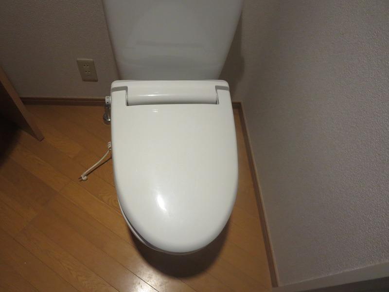コリーヌ平町 四番館 104号室のトイレ