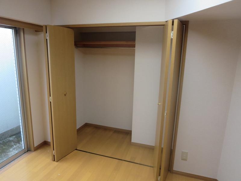 コリーヌ平町 四番館 104号室の収納