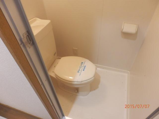 チェリーメゾン自由が丘 101号室のトイレ