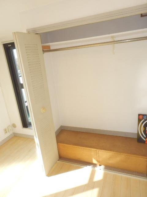ライオンズマンション上野毛第2 602号室の収納