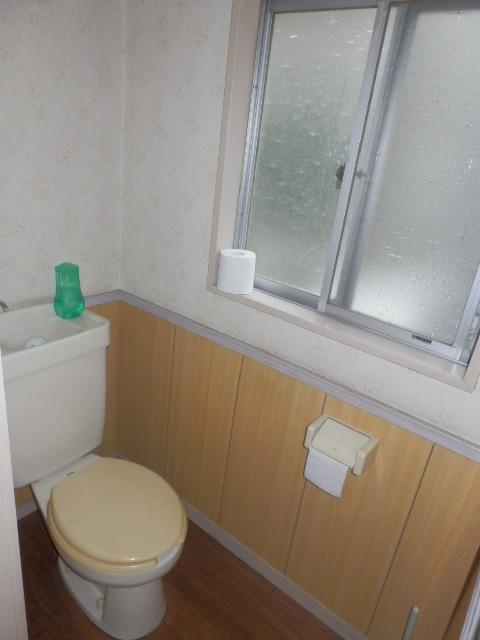 安藤方 2-A号室のトイレ