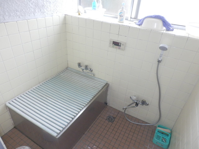 安藤方 2-A号室の風呂