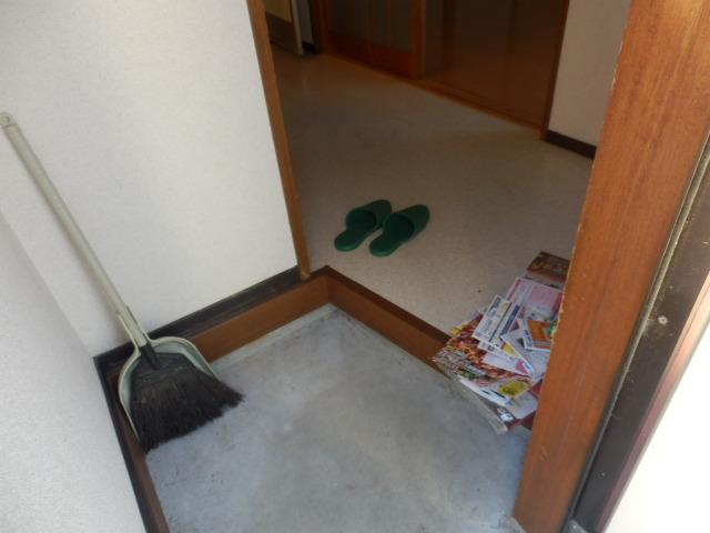 竹澤アパート 101号室の玄関