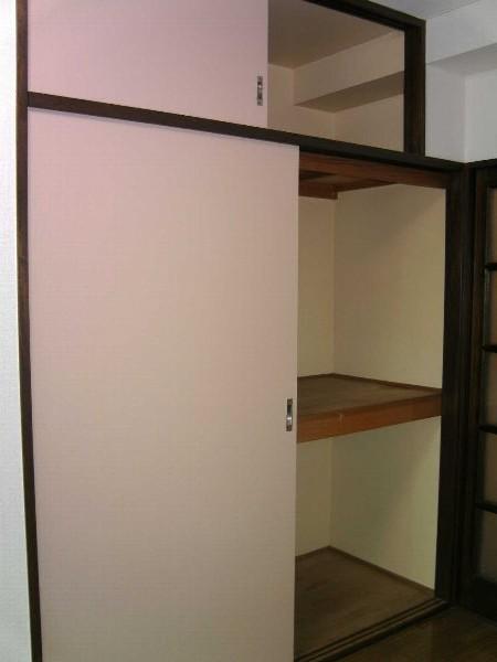 グレンハイツ 203号室の収納