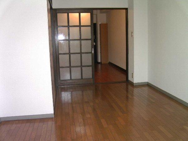 グレンハイツ 203号室の居室
