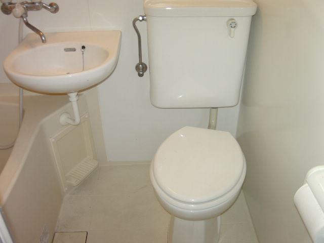 オークラ綱島ビルⅢ 302号室のトイレ