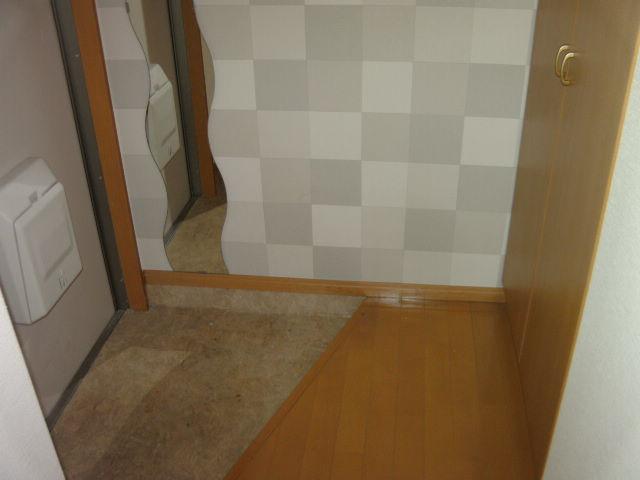 オークラ綱島ビルⅢ 302号室の玄関