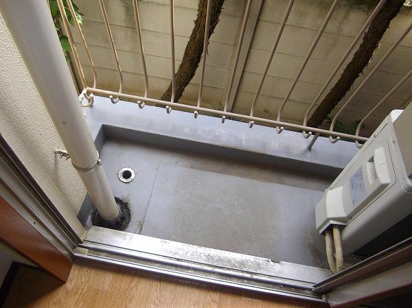 メゾン・ド・エクレール 203号室のバルコニー