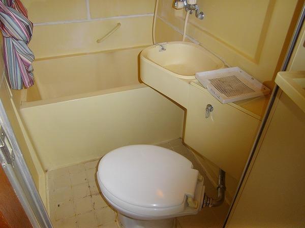 メゾン・ド・エクレール 203号室のトイレ