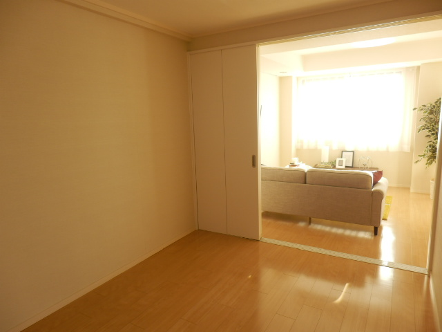 エトワール下馬 301号室の居室