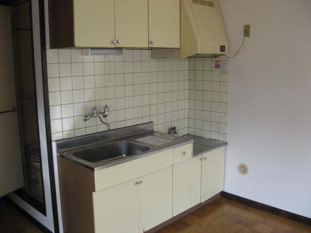 マツヤハウス 302号室のキッチン