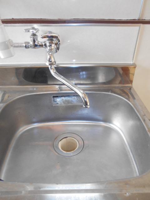 コーポ・コトブキ 202号室の洗面所