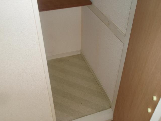 ゼロップ野沢 103号室の収納