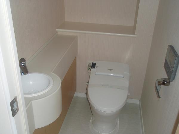 カスタリア若林公園 206号室のトイレ