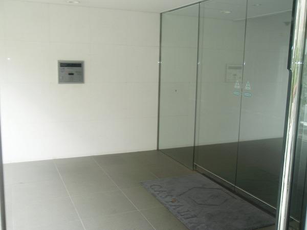 カスタリア若林公園 206号室のエントランス