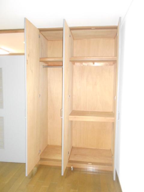 メゾン リベ 203号室の収納