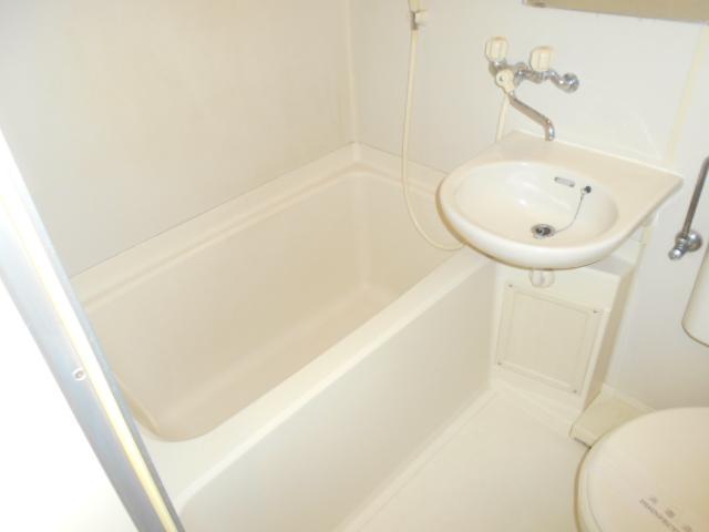 メゾン リベ 203号室の風呂