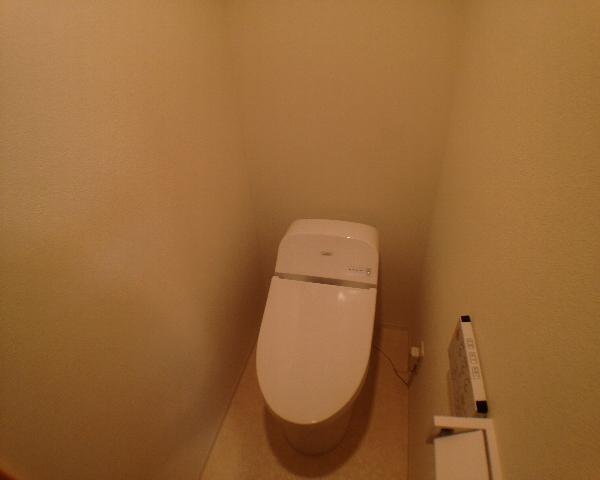 ROW HOUSE 上馬 201号室のトイレ