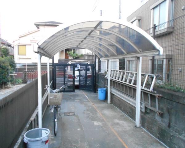 斎藤荘 102号室の駐車場