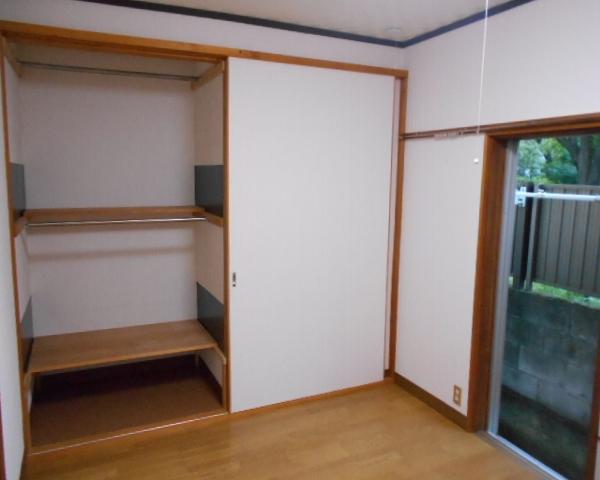 斎藤荘 102号室のリビング