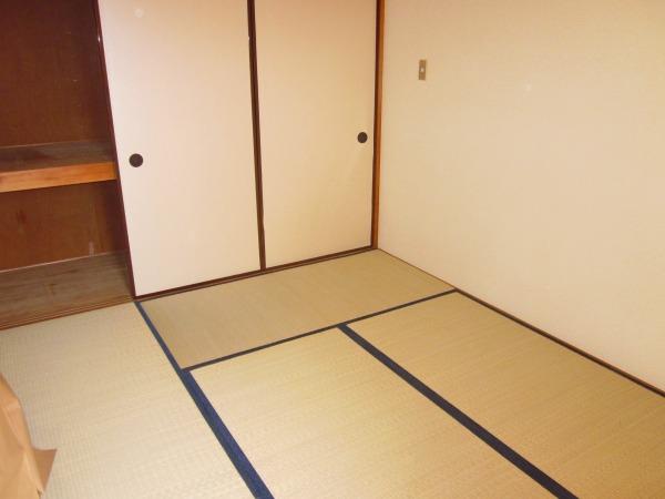 國恵ハイツ 305号室のリビング