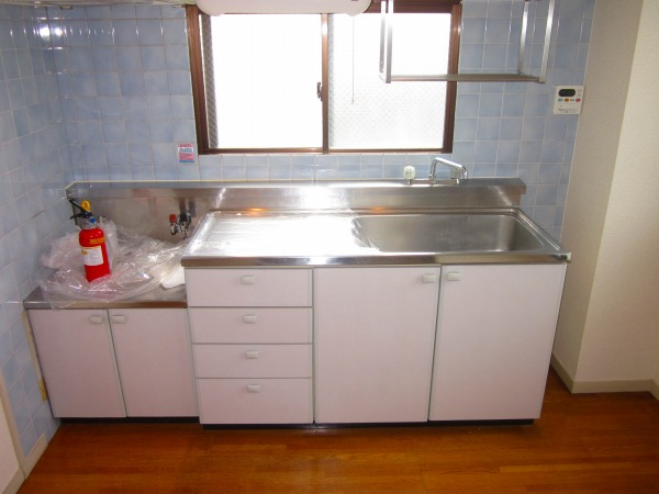 國恵ハイツ 305号室のキッチン