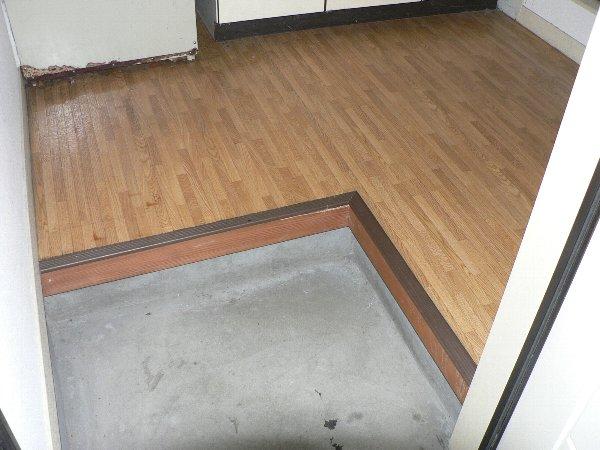 コーポラス貴船 206号室の玄関