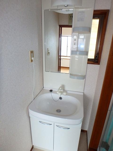 サンライフ岡田1 1-201号室の洗面所