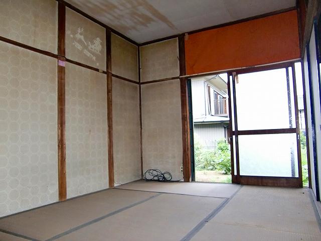 石山荘 101号室のリビング