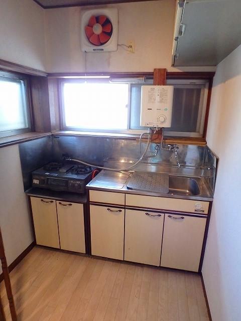 第2コーポ和光 201号室のキッチン