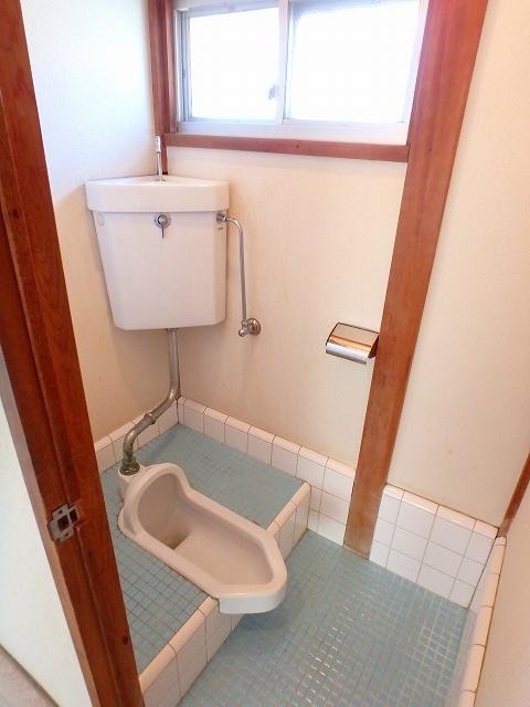 第2コーポ和光 201号室のトイレ