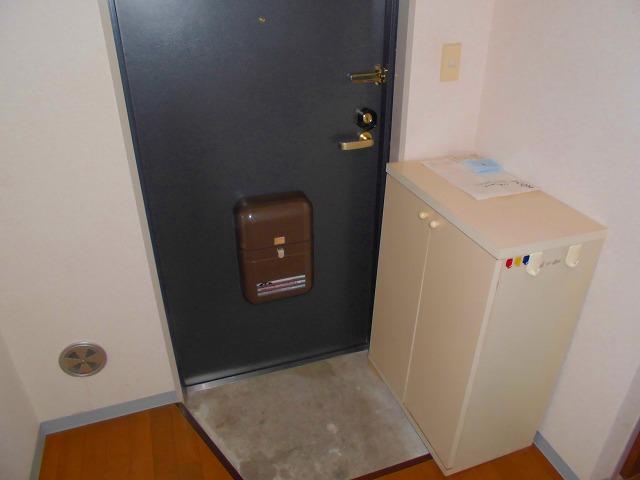 第一福寿ビル 103号室の玄関