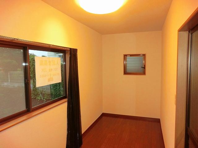 スプリングマンション 101号室の居室