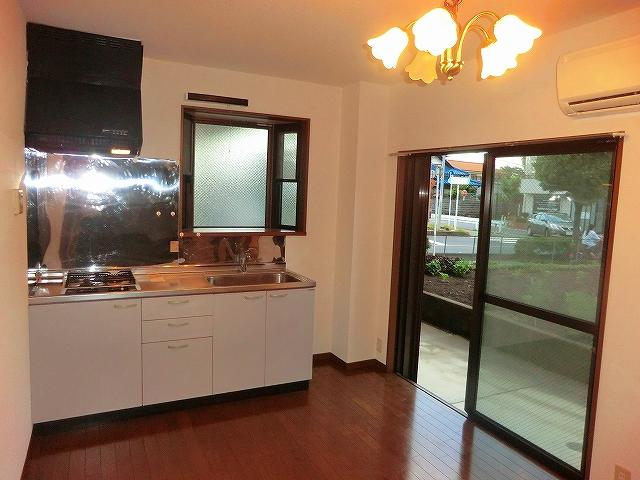 スプリングマンション 101号室のキッチン