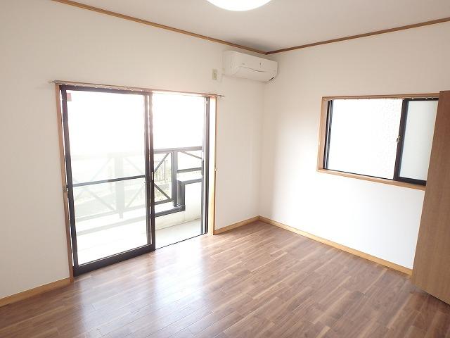 エミネンス 101号室の居室